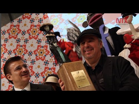 "Monero cubano Ángel Boligán recibe ""La Catrina"" en FIL Guadalajara"