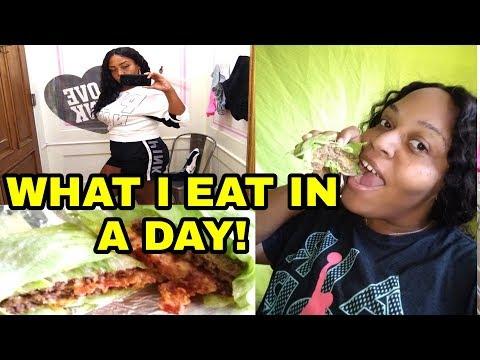 WHAT I EAT IN A DAY || A DAY IN THE LIFE WITH ME || WHAT SHOULD I DO?