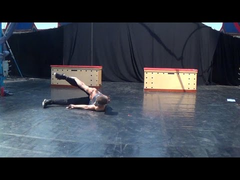 Giorgos Karagiannis contortion act