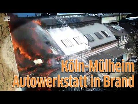 Köln-Mülheim: Brand in Autowerkstatt - Rauchsäule zieht über die Stadt