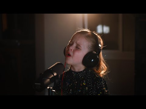 The Next Right Thing (Kristen Bell), Frozen 2 - 7-Year-Old Claire Crosby With Mom
