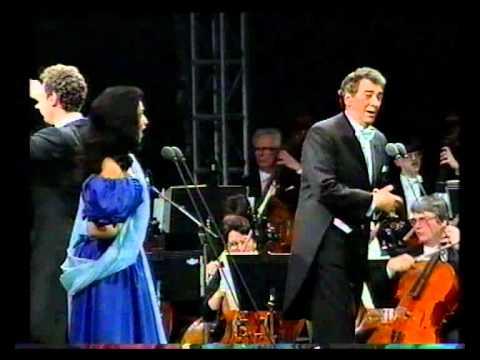 Angela Gheorghiu/Placido Domingo - L'elisir d'amore: Esulti pur la barbara - Prague 1994