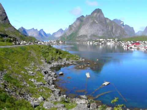 Dji Phantom 2 >> Reine, Moskenes, Norway - YouTube