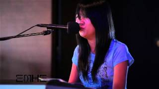 EMKE Hawaii - Just the Way You Are / Call Me Maybe (Bruno Mars / Carly Rae Jepson Acoustic Cover)