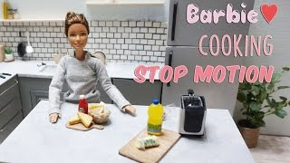 Barbie doll stop motion - miniature cooking : French fry & Grilled cheese sandwich