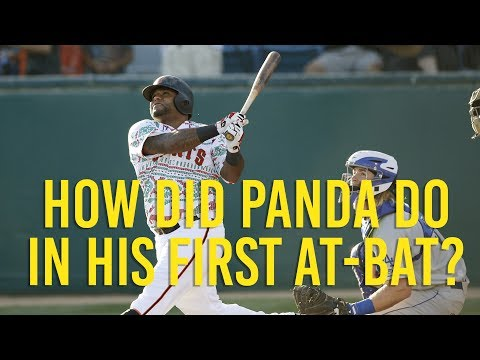 Pablo Sandoval has his first at-bit in Giants return