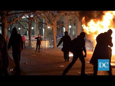 Raw footage from protest of Milo Yiannopoulos' event at UC Berkeley
