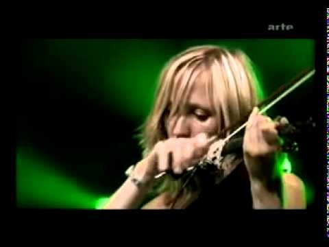 Beth Gibbons - Funny Time of Year (live)