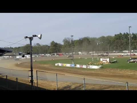 Brownstown Speedway Funfest hornet heat 3 10-13-18.      Part 2