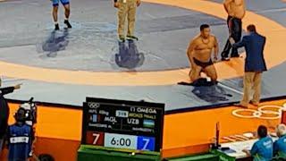 Rio2016: судейский скандал на Олимпийском турнире по борьбе(Тренеры монгольского борца разделись до трусов на ковре в знак протеста против судейского беспредела., 2016-08-21T22:02:58.000Z)
