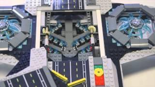 Der lego® marvel super heroes – ucs the shield helicarrier (76042) besteht aus insgesamt 2.996 teilen, beinhaltet fünf minifiguren sowie 12 mikro-figuren und...