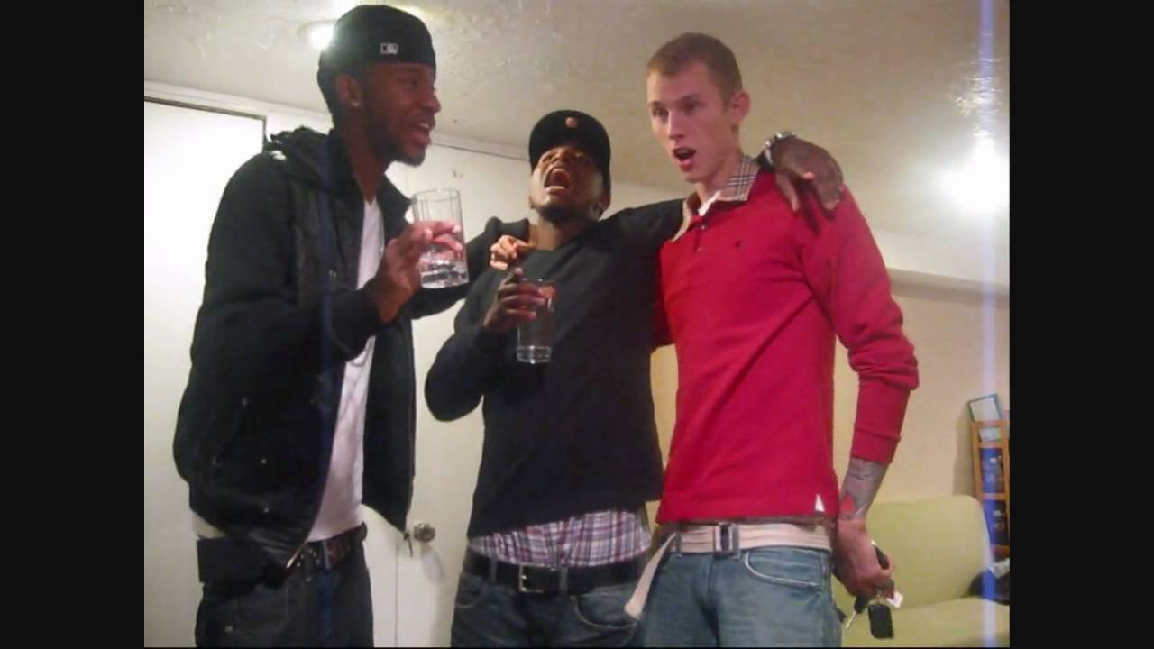 Mgk Presents Kellyvision Day 4 Youtube