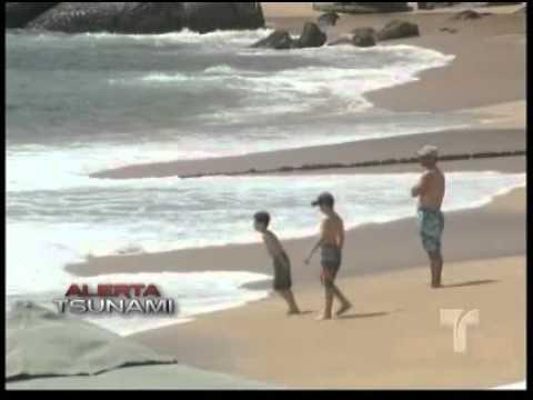 Ola de Tsunami tocó México (11-Marzo-2011)