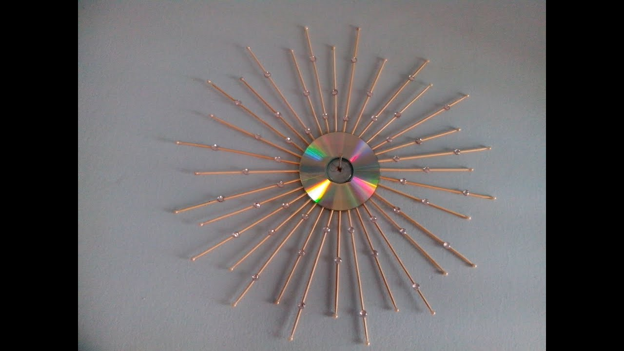 Old cd sunburst wall hanging diy wall decor ideas youtube for Decorative items for home with waste material