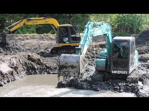 Kobelco SK75 Mini Excavator Digging Pond Komatsu PC60