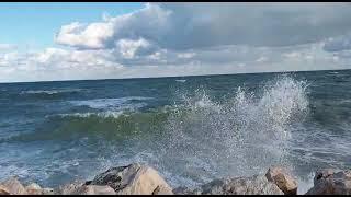 Mare in burrasca a Termoli: sospesi i collegamenti con le Isole Tremiti