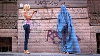 ¿Cómo reaccionamos ante una mujer con burka?