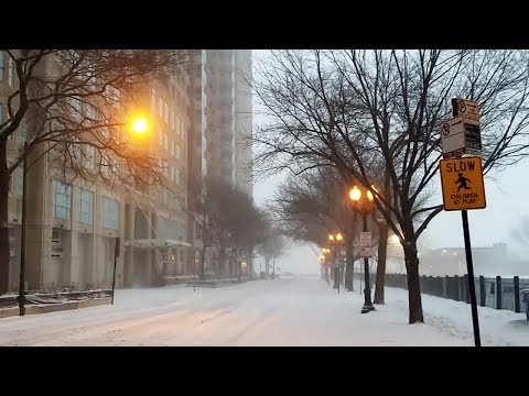 Snow in the Streeterville area of Chicago (Jan 19, 2019)