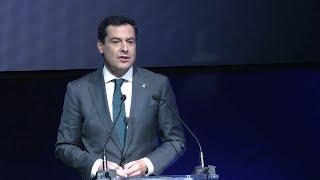 Moreno destaca el trabajo de los premiados en los Malagueños del Año