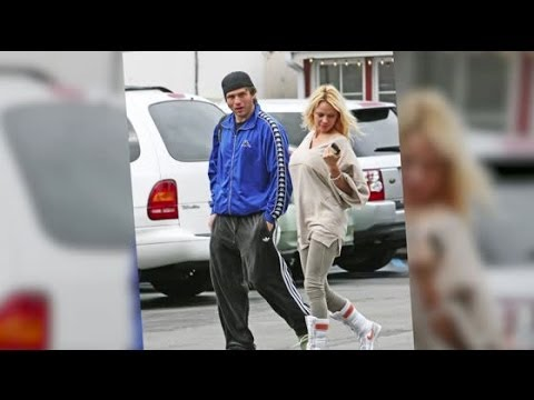 Pamela Anderson Files For Divorce From Rick Salomon | Splash News TV | Splash News TV