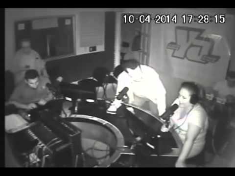 """Managua, Nicaragua """"Radio Ya"""" asi vivio el terremoto de 6.2 el 10 abril 2014"""