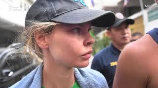 Настю Рыбку и Лесли депортировали из Таиланда