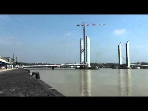 Bordeaux 16h construction du pont bacalan bastide baba for Construction bastide
