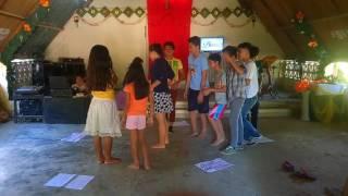paper dance ng mga Young people