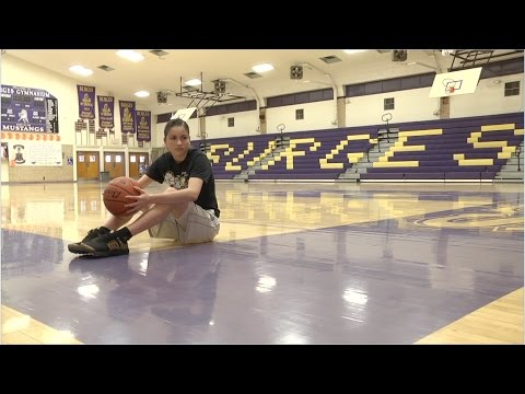 Burges High School Student in 3-point Competition