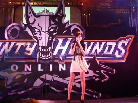 Elly Tran sing Thai song - kon hin kon nan - @bho event @ siam paragon : thailand