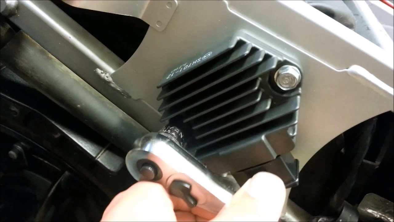 Vfr Regulator Rectifire Issues And Updated Part From Honda Youtube 95 750 Engine Diagram