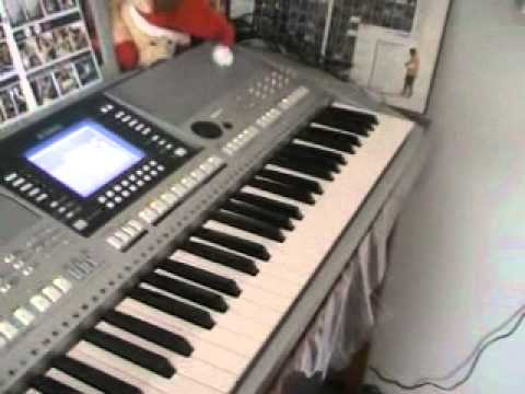 My first professional keyboard yamaha psr s710 - YouTube