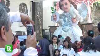 Adoran a Niño Dios gigante en Iztapalapa