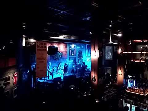 Hasnuana live at Hard Rock Cafe Pune fossils