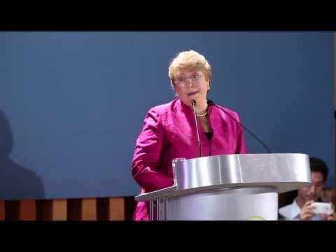 """He tomado la decisión de ser candidata"" - Michelle Bachelet."