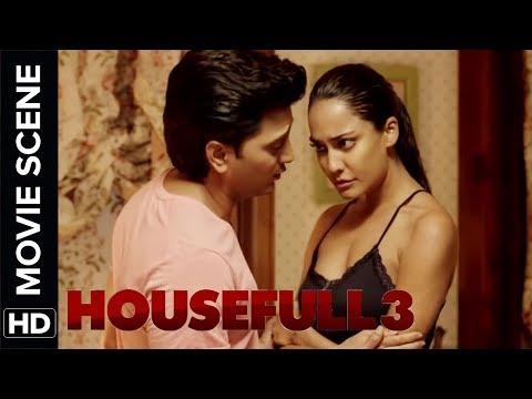 Lisa Haydon scene from her recent movie | Housefull 3 | Movie Scene