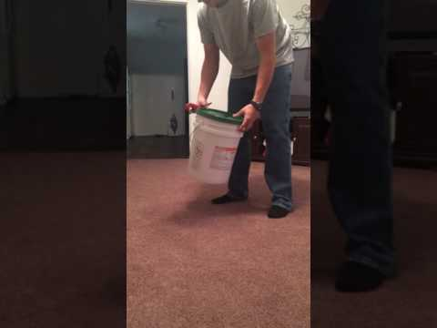 removing-the-lid-from-a-5-gallon-chemical-bucket-with-no-easy-peel-tab
