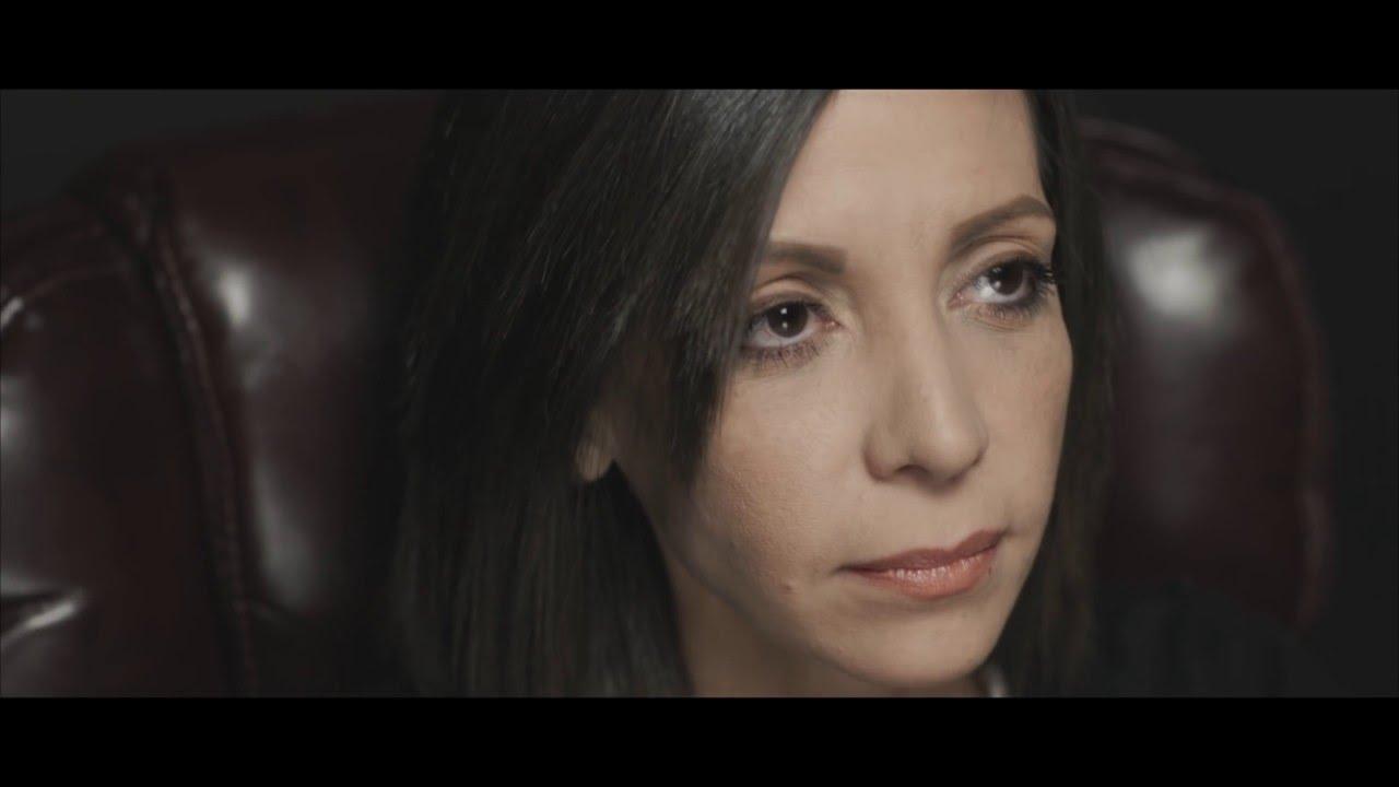 Redimi2 - Saldrás de Esta  ft. Lucia Parker y Rene Gonzalez