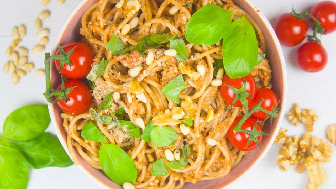 Pesto Rosso Vegan ohne Öl - Veganes Pesto selber machen [Schnell & Gesund] | Unsere Vegane Küche 💚