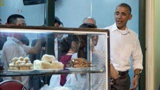 TT Obama ăn bún chả và tham gia show truyền hình của CNN ở Hà Nội