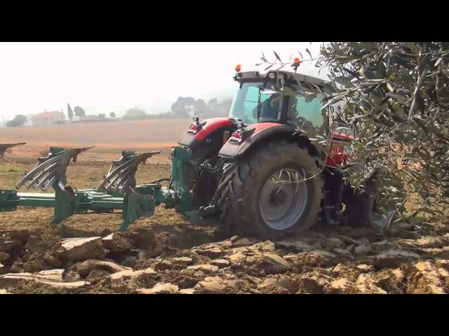 BKT Agrimax during plowing