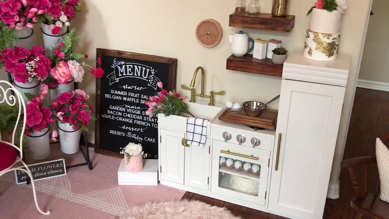 Pottery Barn Play Kitchen Review