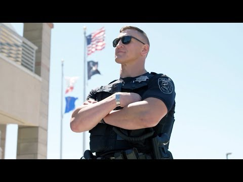 Офицер полиции Михаил | НАША АМЕРИКАНСКАЯ ИСТОРИЯ