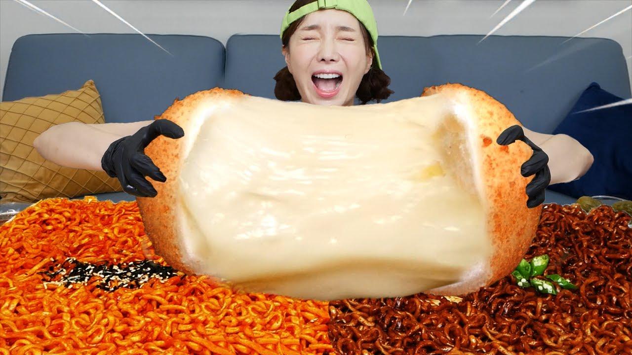 [Mukbang ASMR] 슈퍼사이즈 초대형 치즈볼 먹방 레시피 🧀 Amazing Giant Size Cheese Ball Recipe Eatingshow Ssoyoung