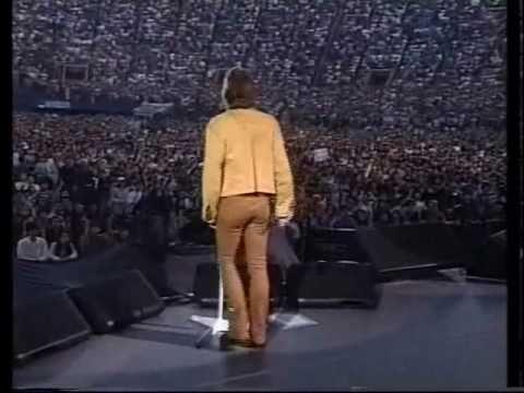 Bon Jovi - Lay Your Hands On Me w/ marching band (Yokohama 1996)