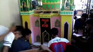 Masjid buatan.arak arak takbir keliling.