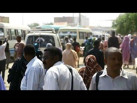 حقوقيات يطالبن البشير بالعفو عن سودانية قتلت زوجها أثناء اغتصابه لها…  - 20:21-2018 / 5 / 13