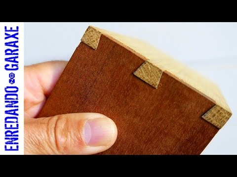 Easy and fast dovetail joint. Router plus chisel work