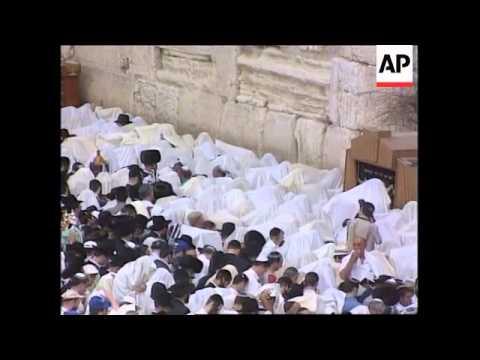 Israel - Religious rituals at wailing wall