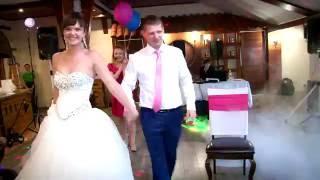 Первый танец молодых на свадьбе Андрея и Валентины